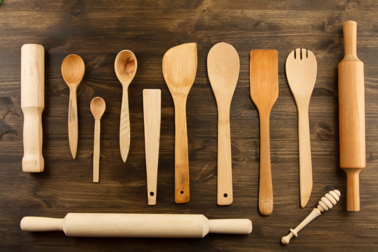 how to wash wooden utensils