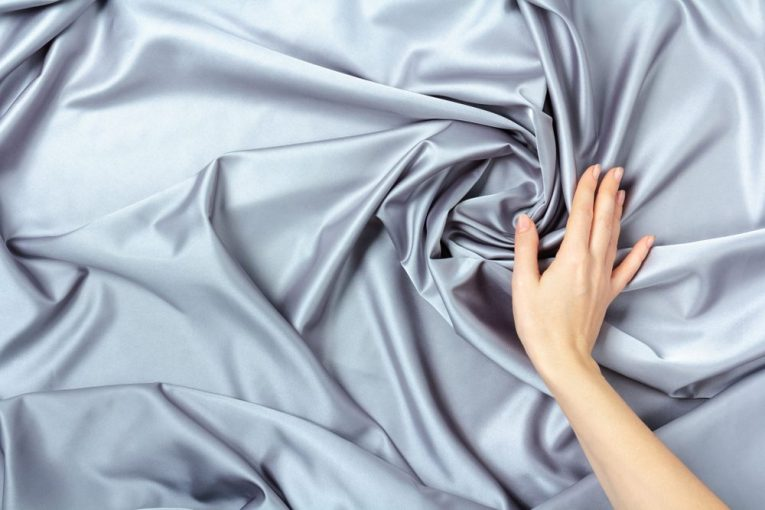benefits of silk comforters