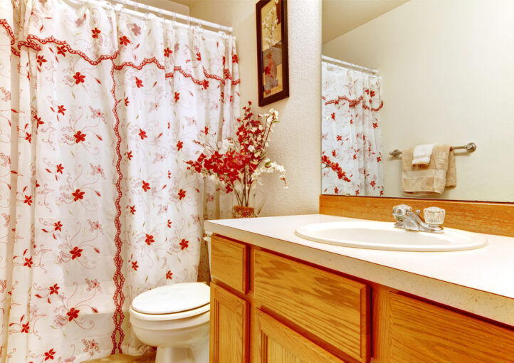 How to Choose a Shower Curtain