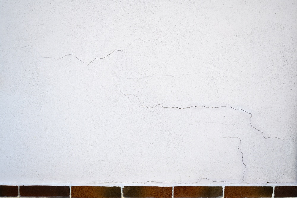 Exterior Wall Cracks