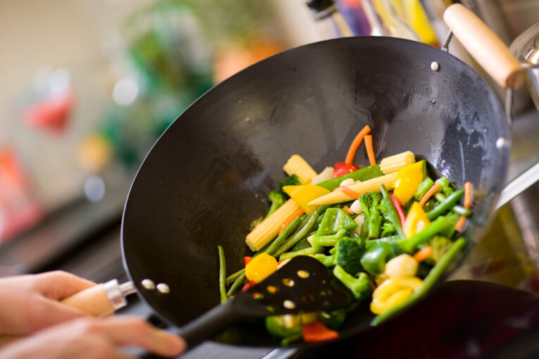 cook in wok