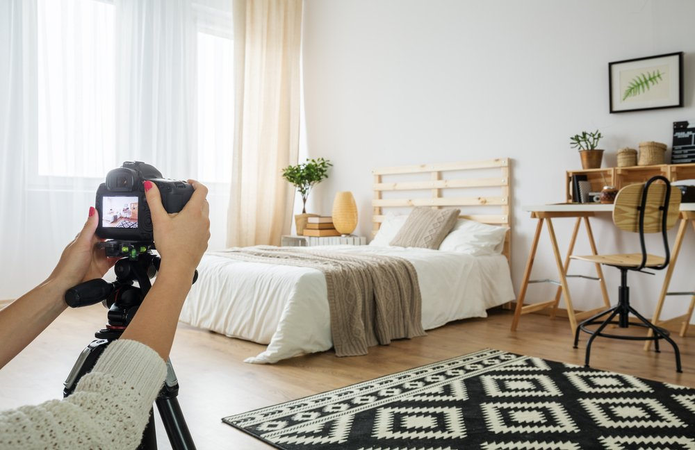 Take photos of the home's features